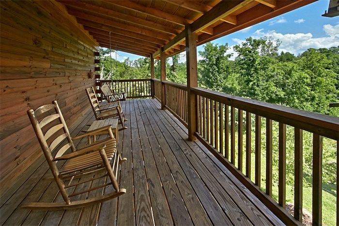 Smoky Mountain 2 Bedroom Cabin in Pigeon Forge - Autumn Ridge