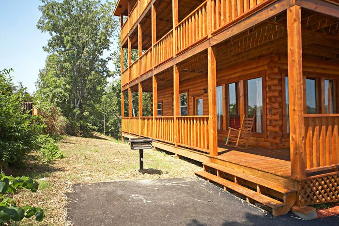 Cabin with Park Grill - Awesome Views