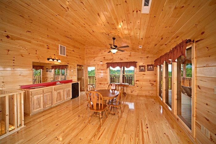 Cabin with Open Den - Awesome Views