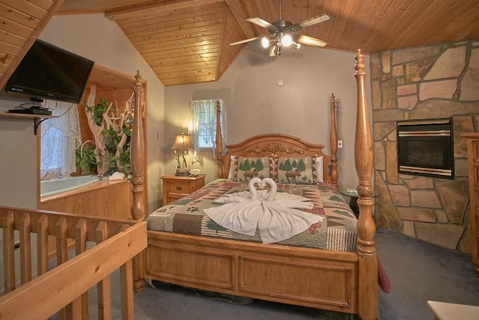 Wears Valley cabin with King Bedroom - Bare Bottom Cabin