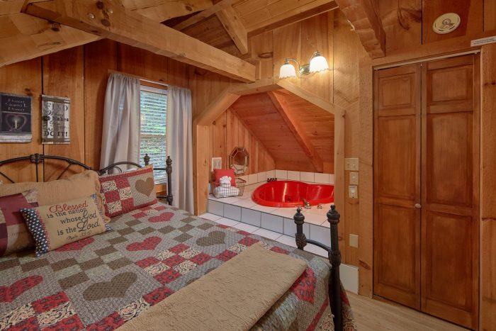 Bare Tubbin Cabin Rental Photo