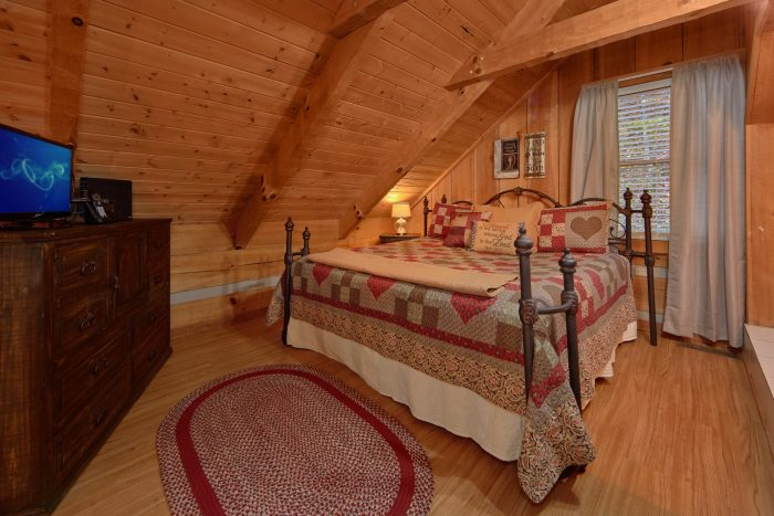 Master Loft 1 Bedroom Cabin Sleeps 4 - Bare Tubbin
