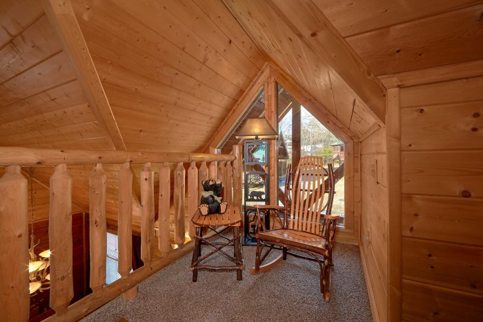4 Bedroom Cabin with a Loft Sitting Area - Bear Creek Lodge