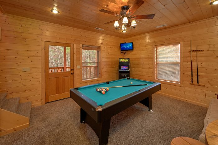 4 Bedroom Cabin with A Pool Table - Bear Creek Lodge