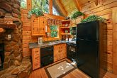 One Bedroom Cabin with Cozy Kitchen