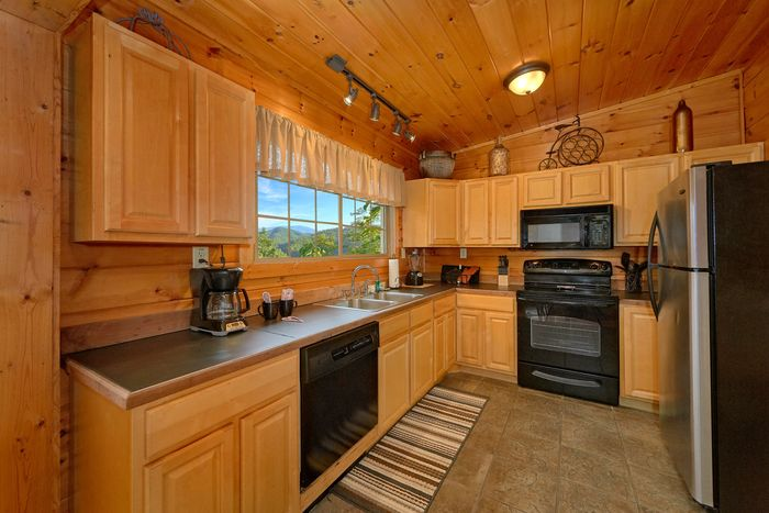 Luxurious 1 Bedroom Cabin with Comfy King Bed - Bear Hugs