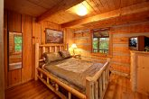 Cabin with bedroom with TV