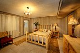 Cabin with spacious queen bedroom