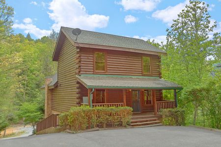 Bears Den 2: 5 Bedroom Gatlinburg Cabin Rental