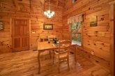 Luxury Cabin with Dining Room and Fireplace