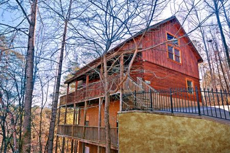 Dogwood Retreat: 4 Bedroom Sevierville Cabin Rental