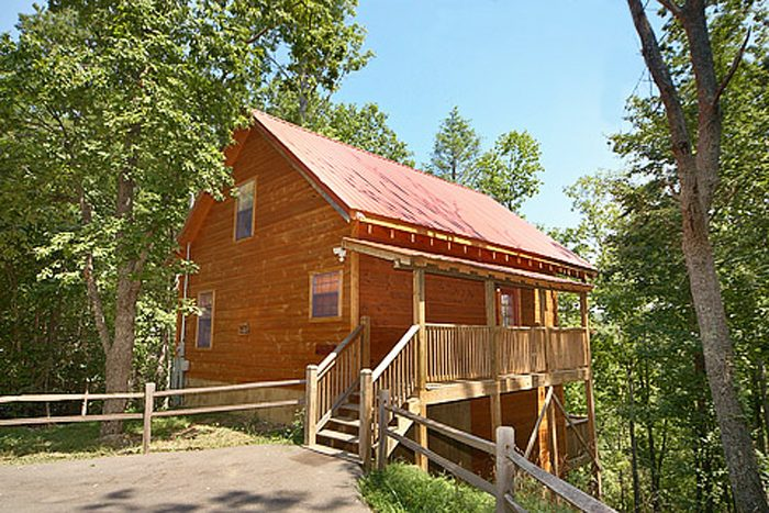 Bear-rif-ic Cabin Rental Photo