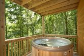 2 Bedroom Cabin with an Outdoor Hot Tub