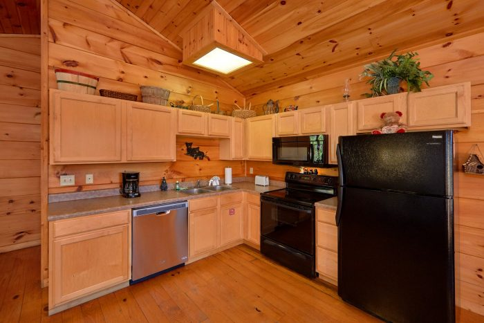 2 Bedroom Cabin with Fully Equipped Kitchen - Bears and Beyond