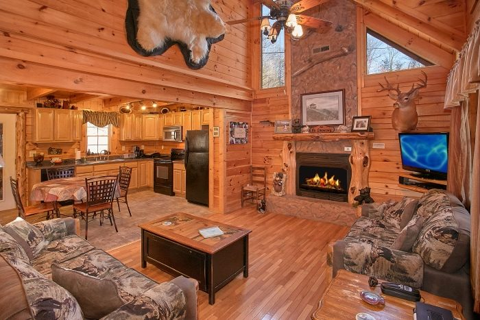 Beary Dashing Gatlinburg Cabin on the Spur Cabins USA