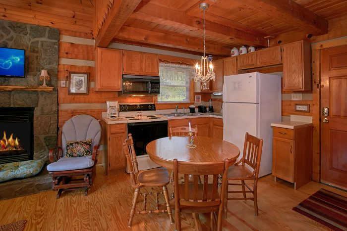 2 Bedroom Cabin Sleeps 6 - Beautiful Getaway