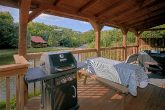 2 Bedroom Cabin Sleeps 6 Deck and Pond
