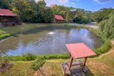 2 Bedroom Cabin Sleeps 6 with Pond