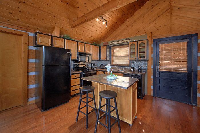 2 Bedroom Cabin Sleeps 6 with Open Kitchen - Bella Casa