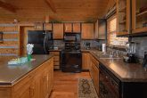 Near Pigeon Forge 2 Bedroom Cabin Sleeps 6