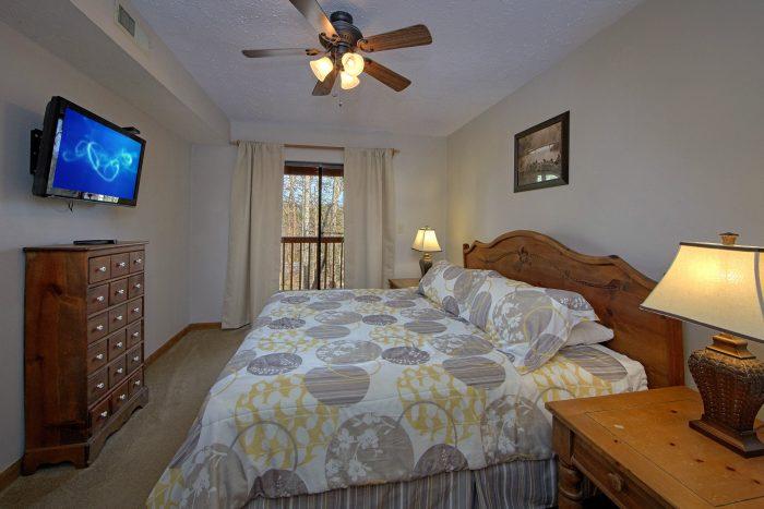 2 Bedroom Cabin with 2 Queen Beds in Room - Bella Casa
