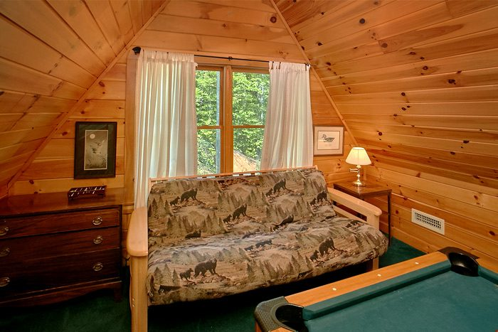 Cabin with Loft Game Room and Futon - Big Bear
