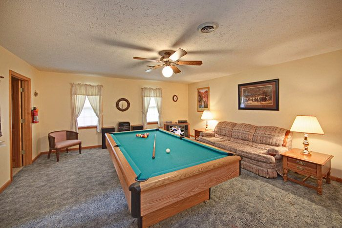 Chalet with Game Room in the Smokies - Big Bears Den