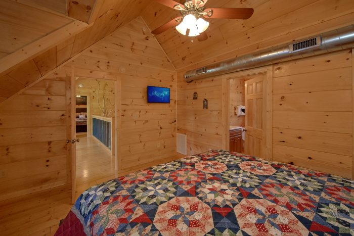 Comfortable Spacious Bedrooms - Big Mack Lodge