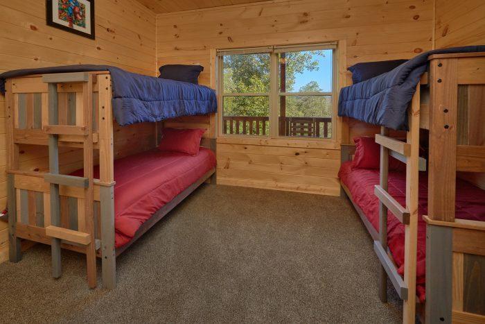 5 Bedroom Cabin with Bunk Beds Sleeps 14 - Big Mack Lodge