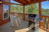 5 Bedroom Room Cabin Sleeps 14 with Gas Grill