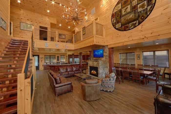16 Bedroom Cabin with 14 Master Suites - Big Vista Lodge