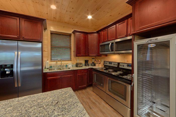 16 Bedroom Cabin with 17 Full 2 Half Sleeps 66 - Big Vista Lodge