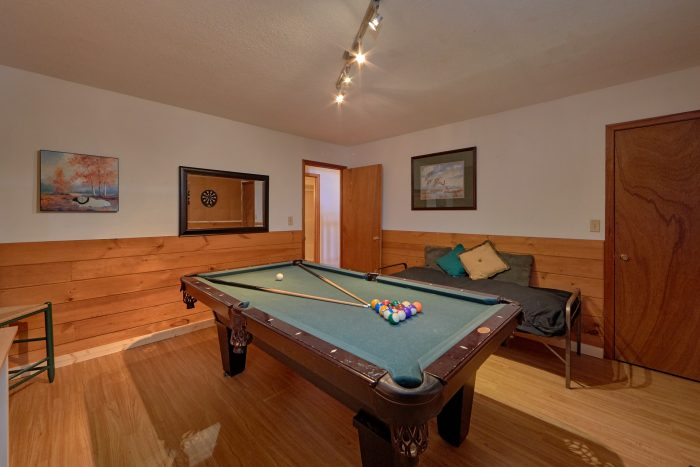 2 Bedroom Cabin with Large Open Game Room - Blessed Memories