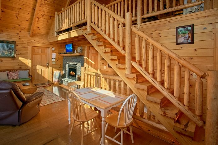 Cabin with Dining Rom and Fully Stocked Kitchen - BlueBaery Hill