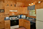 3 Bedroom Cabin with Full Kitchen & Dining Room