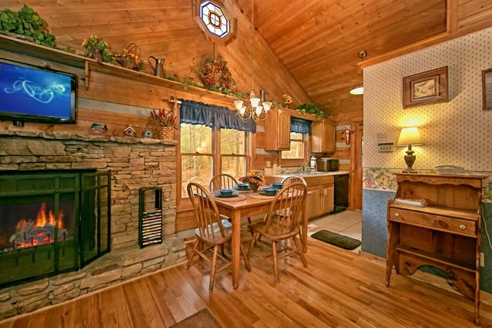 Cabin with dining/kitchen combo area - Bluff Haven