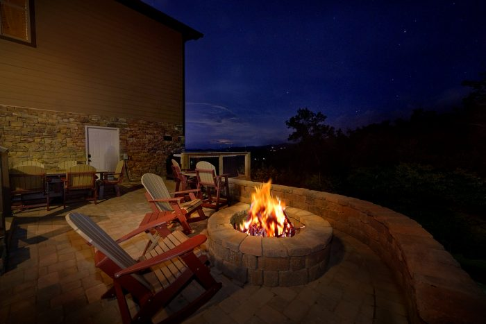 Luxury Cabin with Fire Pit and Mountain Views - Bluff Mountain Lodge
