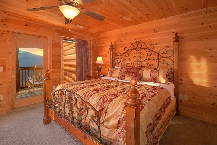 5 Bedroom Cabin Sleeps 14 with all King Beds - Breathtaker