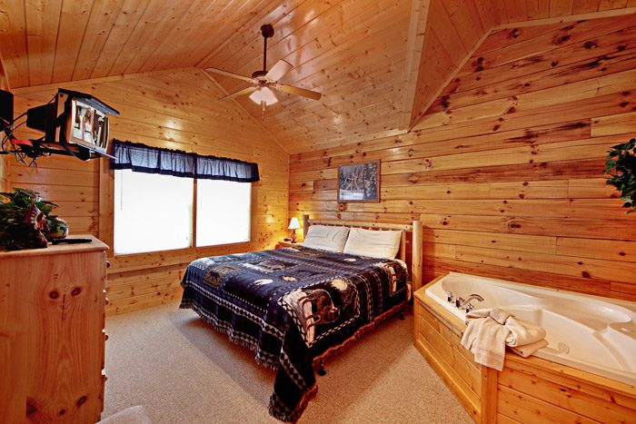 Cabin with King Master Suite - Campbells Cabin
