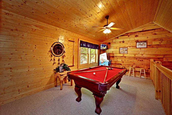 Cabin with Lofted Game Room - Campbells Cabin