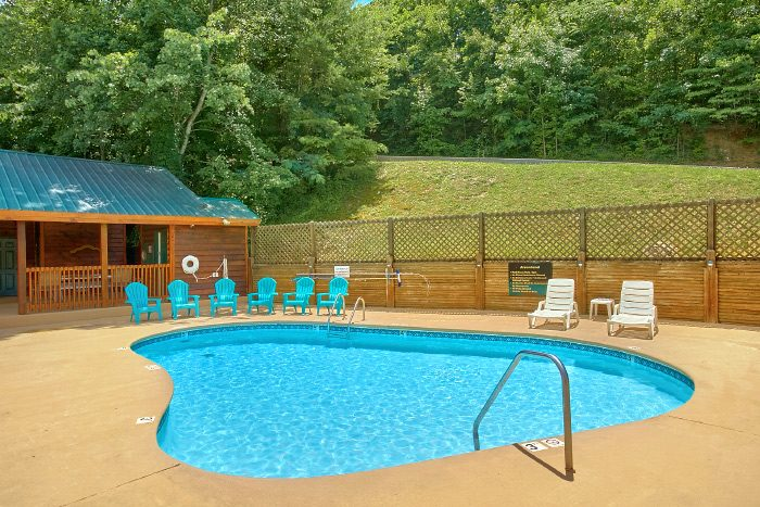 2 Bedroom Cabin with Resort Swimming Pool - Campbells Cabin