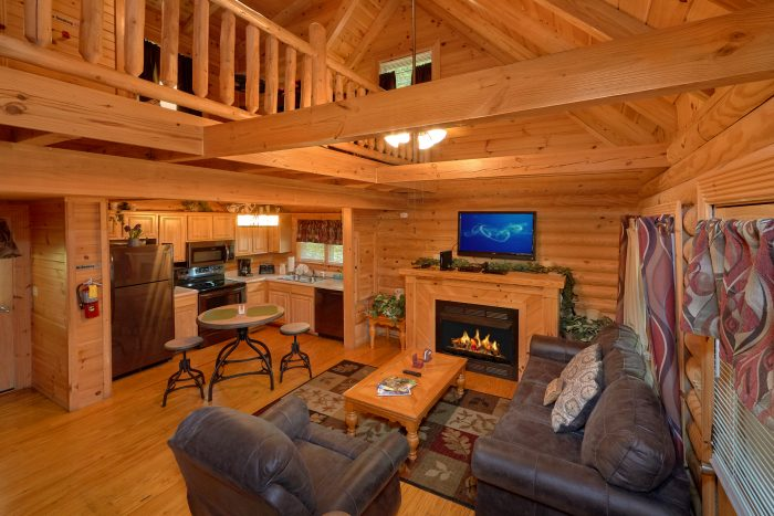 Smoky Mountain Ridge Resort cabin with pool - Candle Light Cabin