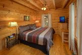 2 bedroom cabin with Master King bedroom