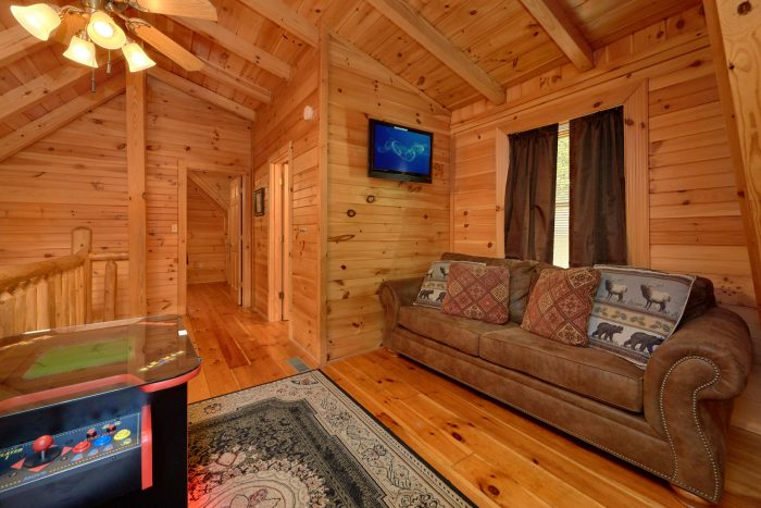2 bedroom cabin with arcade and sleeper sofa - Candle Light Cabin