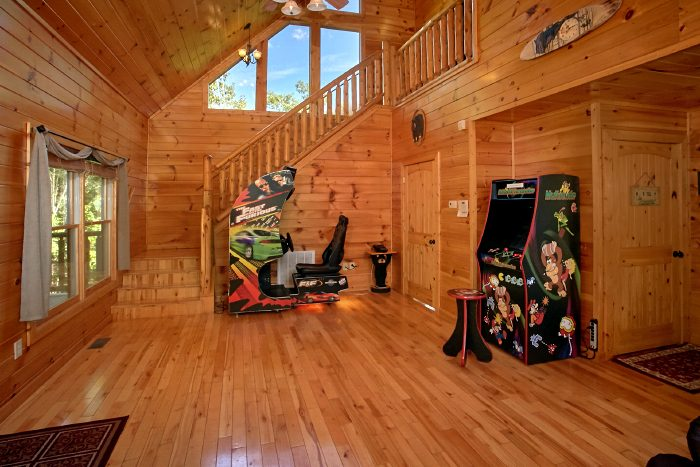 2 Bedroom cabin with Arcade Games - Can't Bear To Leave