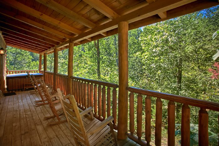Spacious Cabin with Covered Deck and Hot Tub - Can't Bear To Leave