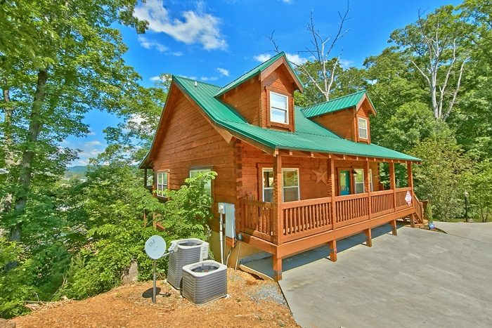 bedroom pigeon forge cabin rental catch a star