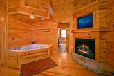 Cabin with 3 king suites and 3 jacuzzis