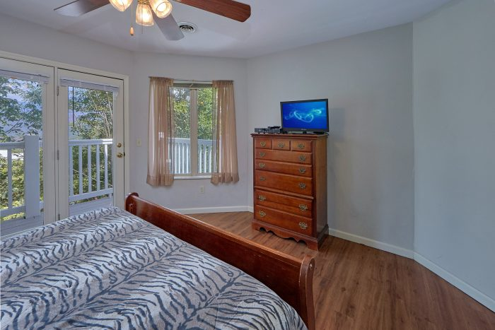 Gatlinburg 8 Bedroom Cabin with King Bedrooms - Chalet Mignon