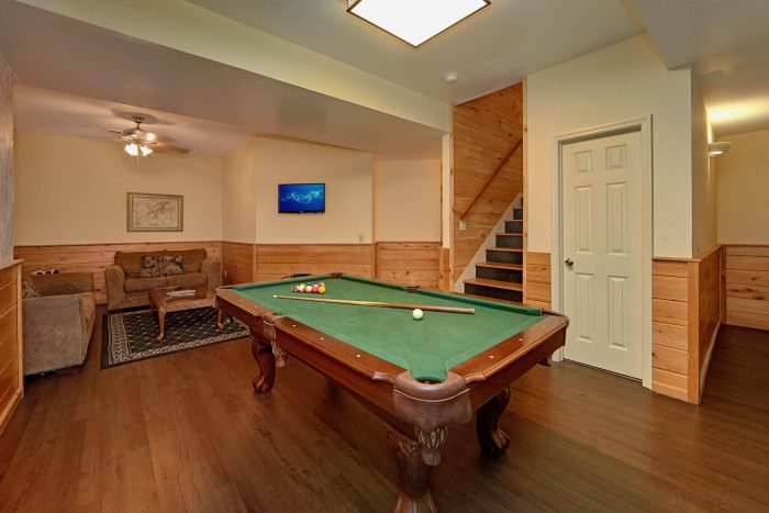 Premium 8 Bedroom Cabin with Pool Table - Chalet Mignon